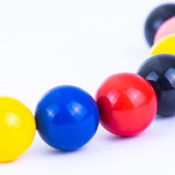 Injections billes aimantées de couleur